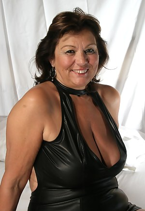 MILF Dress Porn Pictures
