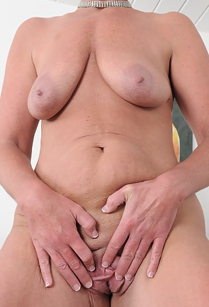 MILF Tits Porn Pictures
