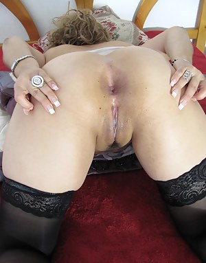 MILF Ass Porn Pictures